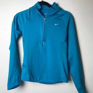 Women small Nike DriFit & Nike Element Thumb holes